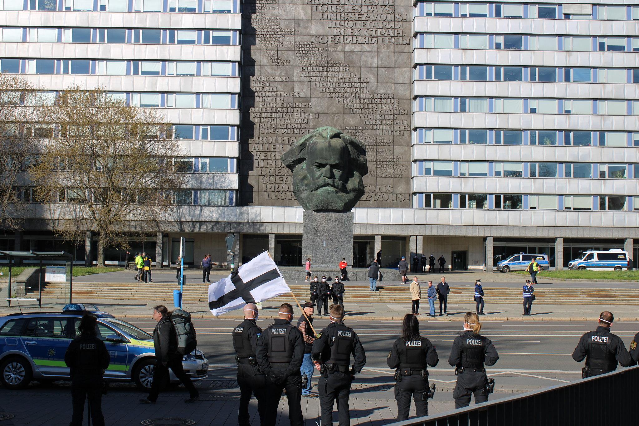 Die Kundgebung vom 20.04.2020 zu Beginn (Quelle: flickr Ruben Dörfler)